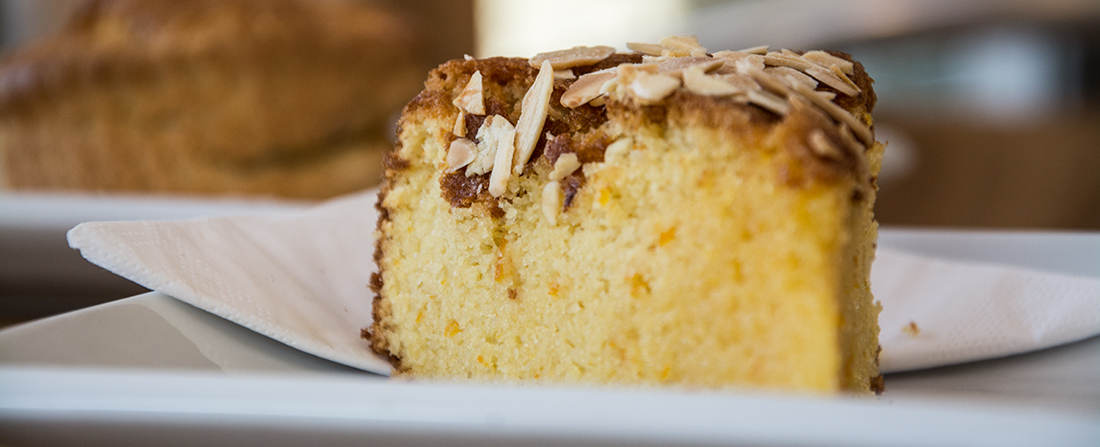cafe-cake-plate