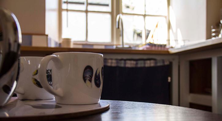 mull-calgary-self-catering-cart-studio-cups
