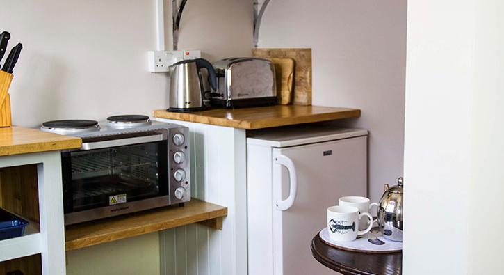mull-calgary-self-catering-cart-studio-kitchen