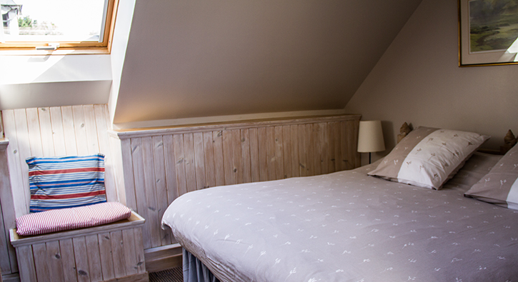 mull-calgary-self-catering-east-loft-bedroom