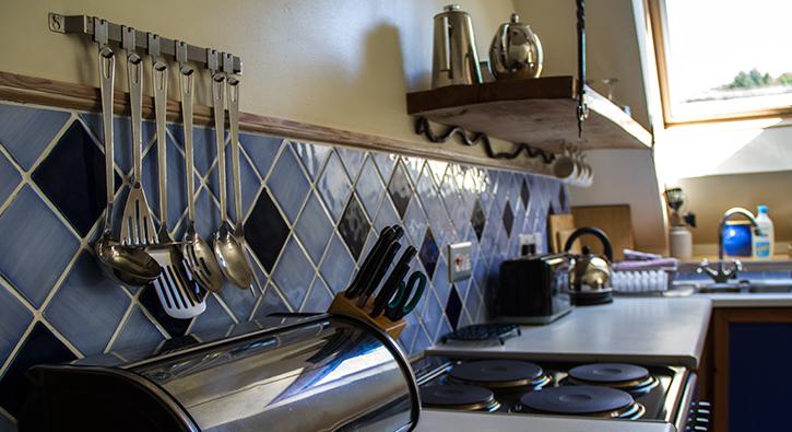 mull-calgary-self-catering-east-loft-kitchen