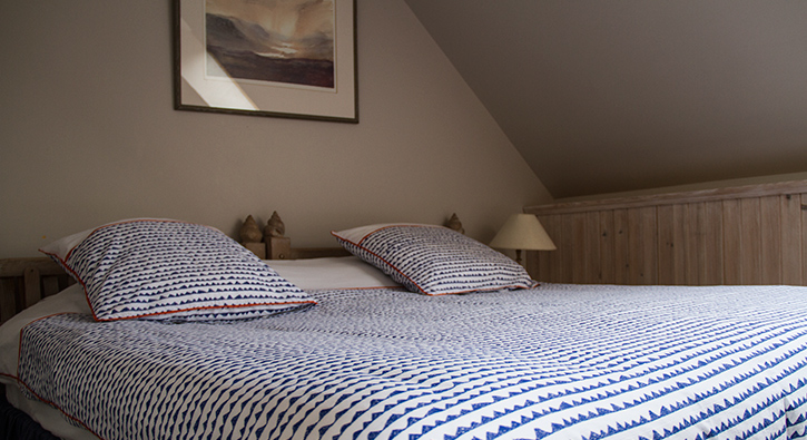 mull-calgary-self-catering-west-loft-bedroom