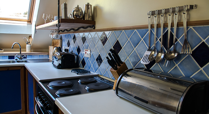 mull-calgary-self-catering-west-loft-kitchen-1